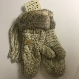 Aran Traditions Wool Knit Mittens Tan Fur trim